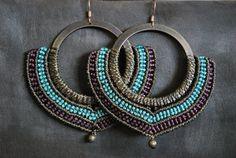 Macrame earrings Boucles d'oreilles micro macramé sur anneau turquoise bordeau marron