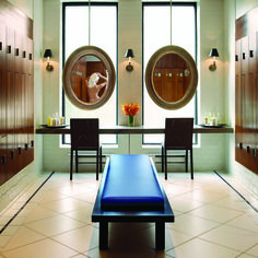 Elmwood Spa, Toronto, Canada: Women's Locker Room