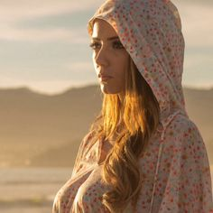 Beach hoodies... Bucket Hat, Hoodies, Instagram, Hats, Beach, Fashion, Moda, Sweatshirts, Bob
