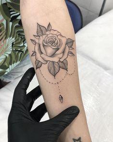 Beautiful Rose Outline Chandelier Forearm Tattoo Ideas for Women - hermosa rosa . - Beautiful Rose Outline Chandelier Forearm Tattoo Ideas for Women – hermosa rosa Antebrazo Tattoo - Mini Tattoos, New Tattoos, Body Art Tattoos, Sleeve Tattoos, Tatoos, Tattoo Drawings, Delicate Flower Tattoo, Rose Flower Tattoos, Tattoo Flowers
