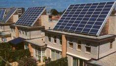 Duurzaamheid in de wijk is een belangrijk punt. Hier een voorbeeld van huizen met veel zonnepanelen. Thijs van der Zon