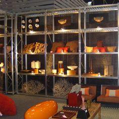 estanterías galvanizadas y accesorios que le permitirá encontar soluciones variadas y originales para su exposición. http://www.esmelux.com/galeriaImgs.php?gl=20