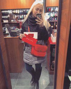 Участвуя в конкурсе посвящённому дню святого Валентина #kissFALKE сегодня забрала свой долгожданный призСпасибо отзывчивому персоналу и самому магазину @falke_russia  by milana_mizunova
