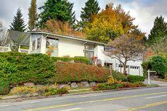 7502 30th Ave NE, Seattle, WA 98115 - 5 beds/2.75 baths