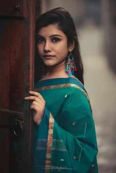 Indian Models and Actresses Indian Beauty Saree, Indian Sarees, Indian Ethnic, Indian Girls, Indian Dresses, Indian Outfits, Photoshoot Images, Indian Models, Beautiful Saree