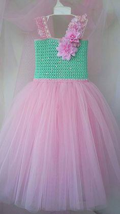 Crochet Tutu Dress, Smocked Baby Dresses, Baby Girl Dresses, Crochet Clothes, Little Girl Princess Dresses, Gowns For Girls, Baby Christening Dress, White Baby Dress, Toddler Dress