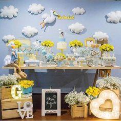 Bom dia com Chá de Bebê com o tema Cegonha. Por @artecoisaetal_ #encontrandoideias #blogencontrandoideias #blogfestainfantil #fabiolateles