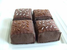 Felt brownies with bugle beads - so cute! I could do this with green ones for Minecraft grass cubes, too...