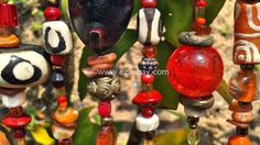 Beads are beautiful! new picture and work | Ghana : Entre Busua Inn et Ezile Bay Village