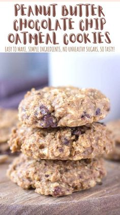 These Peanut Butter Oatmeal Cookies are soft, chewy, and full of flavor. Packed with crunchy peanuts and dark chocolate chunks. + Super easy to make, WHOLESOME, made without refined sugars, and loaded with healthy OATS! ---- #cookies #peanutbutter #peanutbuttercookies #oats #oatmeal #oatmealcookies #healthycookies #healthyeats #recipes #healthyrecipes #snack #snackideas #kidssnacks Peanut Butter Oatmeal, Chocolate Chip Oatmeal, Oatmeal Cookies, Peanut Butter Recipes, Holiday Cookie Recipes, Best Cookie Recipes, Sweet Recipes, Easy Desserts, Delicious Desserts