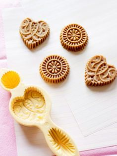 Dutch spiced biscuits (speculoos)