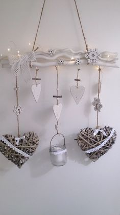 50 Romantic Valentine DIY and Crafts Ideas – välkommen att stifta världen Diy Arts And Crafts, Crafts To Make, Home Crafts, Diy Crafts, Valentines Bricolage, Valentines Diy, Handmade Christmas Decorations, Christmas Crafts, Saint Valentin Diy