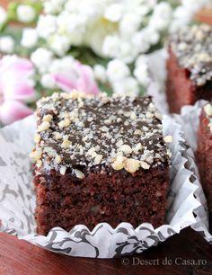 Prajitura Negresa - Desert De Casa Romanian Desserts, Romanian Food, Chocolate World, Chocolate Desserts, Sweet Recipes, Cake Recipes, Dessert Recipes, Brownie Cake, Brownies