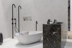 Stijlvolle luxe badkamer met marmeren wastafelmeubel. Te zien op de vt wonen&design beurs in het inspiratiehuis van Stijlvol Wonen