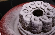 Vaniljainen taatelikakku Desserts, Food, Tailgate Desserts, Deserts, Essen, Postres, Meals, Dessert, Yemek