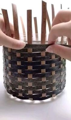 Diy Crafts For Home Decor, Diy Crafts Hacks, Diy Crafts For Gifts, Fun Crafts, Rope Crafts, Recycled Crafts, Plastic Bottle Crafts, Plastic Bottles, Diy Home Repair