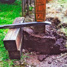 Remove That Wooden Fence Post with These 5 Easy Steps Metal Fence Posts, Wood Fence Post, Wooden Fence, Cedar Fence, Deep Cleaning Tips, Cleaning Hacks, Fence Post Repair, Deck Repair, Concrete Posts