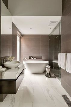 Contemporary bathrooms look clean cut and fresh, always with stylish details too, to pull the finishing look together. Modern contemporary bathrooms can. Bathroom Layout, Bathroom Interior Design, Modern Interior Design, Bathroom Ideas, Bathroom Mirrors, White Bathroom, Bathroom Hacks, Bathroom Small, Remodel Bathroom