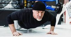 Believe it or not, losing a little or a lot of fat involves pretty much the same concept – consistent dieting coupled with cardiovascular exercise and weight training. Weight Loss For Men, Fast Weight Loss, How To Lose Weight Fast, Weight Lifting, Fitness Goals, Fitness Tips, Burn Fat Build Muscle, Weight Training Programs, Fat Loss Drinks