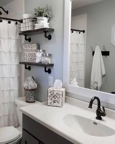 Black Shower rod, faucets, shower head and shelves with the black pipes 47 Amazing Guest Bathroom Makeover Ideas Toilette Design, Restroom Remodel, Remodel Bathroom, Tub Remodel, Shower Remodel, Shower Rod, Shower Heads, Shower Doors, Black Shower