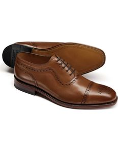 Tips to choose right oxford shoes brown parker toe cap brogue oxford shoes FXRBQIW Buy Shoes, Men's Shoes, Dress Shoes, Shoes Men, Oxford Brogues, Brogue Shoe, Oxford Shoes Outfit, Shoes World, Brown Oxfords