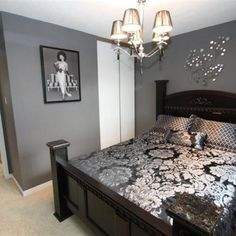 Bedroom Decor Grey Walls sleigh bed that was painted white and stencil wall. | decoração