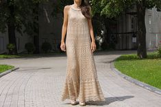The cut of this dress would be awesome with vertical lines reminiscent of an ancient Egyptian dress...