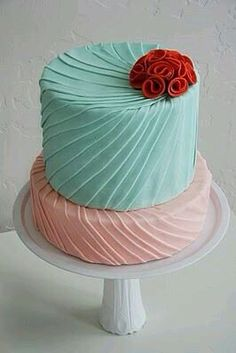Turquoise pink and red wedding cake #ido #gwaphousemag