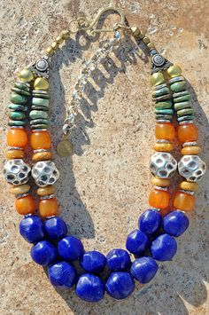 Bold Cobalt Blue Glass, Turquoise, Amber and Hammered Silver Necklace - DIY Silber Necklake Boho Jewelry, Beaded Jewelry, Jewelry Design, Beaded Necklace, Beaded Bracelets, Amber Necklace, Turquoise Necklace, Short Necklace, Fine Jewelry
