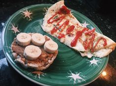https://www.instagram.com/p/BPFcAr3BTYL/ The best and most important meal of the day 🙌🏼 this morning I made an egg white omelette with spinach and roasted red peppers, and topped it with reduced sugar ketchup. I also had a rice cake with @wild_friends sugar cookie pb (which is SOOOOO good) and topped it with half of a banana. Super yummy and perfectly balanced breakfast!