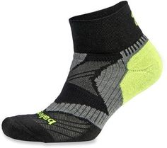 Molded around the contours of your feet, the Balega Enduro V-Tech quarter socks feature enhanced compression bands for an ideal support structure midfoot. Black N Yellow, Black And Grey, Neon Yellow, Friends Workout, Fitness Friends, V Tech, Running Socks, Fitness Gifts, Sport Socks