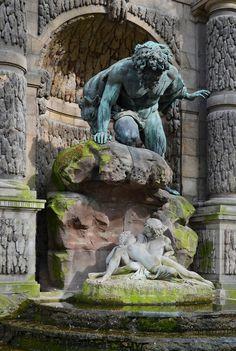 Paris Jardin Luxembourg Polyphème surprenant A&G 2014 - Medici Fountain - Wikipedia Acis And Galatea, Sculpture Art, Garden Sculpture, Paris Garden, Luxembourg Gardens, Luxembourg Paris, Paris Architecture, Picture Places, Paris City