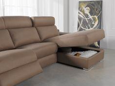 Un sofá de diseño exclusivo. Este es el modelo 3 plazas con chaise longue. Posibilidad de asientos reclinables motorizados o manual.