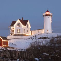 Nubble Lighthouse Lit for the Holidays Christmas In America, Lighthouse Lighting, Lighthouses, New England, Vacations, Maine, Sailing, Ocean, Holidays