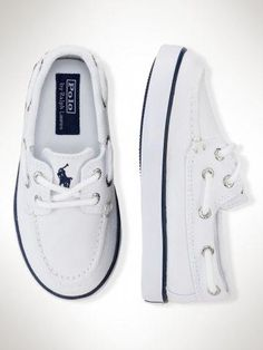 Sander Boat Shoe… Noah would look so cute in these but I knw he won't keep… – Baby For look here Cute Baby Shoes, Baby Boy Shoes, Boys Shoes, Baby Boy Outfits, Me Too Shoes, Kids Outfits, Toddler Shoes, Toddler Boy Fashion, Little Boy Fashion