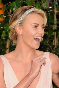 My Intimate Affair with Fashion: Charlize Theron Golden Globes Accessorized