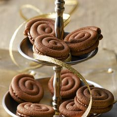 Chocolate Sandteig worm The Effective Pictures We Offer You About Easter Recipes Dessert videos A quality picture can tell you many things. Easy Easter Desserts, Easter Recipes, Easy Smoothie Recipes, Healthy Dessert Recipes, Donut Recipes, Cookie Recipes, Sand Dough, Homemade Frappuccino, Chocolate World
