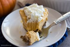 Take your pumpkin pie recipe to the next level this fall season by making a Pumpkin Ice Cream Pie that everyone will Fall for. Cream Pie Recipes, Pumpkin Pie Recipes, Pumpkin Ice Cream, A Pumpkin, Ice Cream Pies, Charmed, Desserts, Food, Tailgate Desserts
