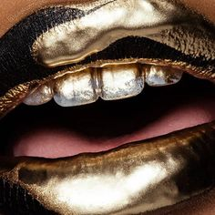 How much do you love makeup ? #makeup #celebritymakeover #makeupgeek #glam #facebeat #kyliecosmetics #nyxcosmetics #anastasiabeverlyhills #morphebrushes #kyliejenner #makeupshayla #faceglam #skincare #health #girlsecrets #highlight #glow #highlight #fashion #nails #brow #collaboration #beyonce