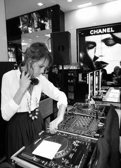 Alexa This DJ
