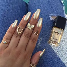 Simple, Gold Coffin/Ballerina Nails