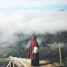 Hijab Niqab, Muslim Hijab, Ootd Hijab, Hijab Chic, Hijab Outfit, Muslim Couples, Muslim Girls, Muslim Women, Hijabi Girl