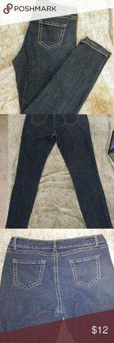 Cleo Jeans Size 16 Has a jeweled button.Inseam to bottom 30 in. cleo Jeans Straight Leg