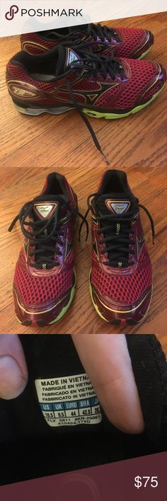 Mizuno wave creation Great running/walking everyday shoe .. insoles included! Mizuno Shoes Sneakers