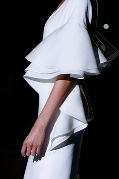 #Gucci #white #blanco #manga #volantes #ruffles #dress #vestido #ss13 #primavera #verano #2013 #spring #summer #look #outfit #fashion