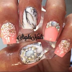 Short coral nails with black and white marble accent nails Fabulous Nails, Perfect Nails, Gorgeous Nails, Hot Nails, Hair And Nails, Finger, Pretty Nail Art, Cute Nail Designs, Creative Nails