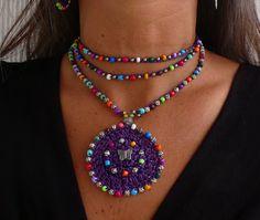 Púrpura TRIBAL MANDALA crochet mariposa boho collar de abalorios ganchillo collar joyería étnica hippie estilo mandala violeta gipsy
