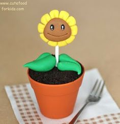 Cute Food For Kids?: Plants vs. Zombies Cupcakes and Dinner