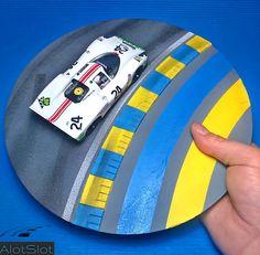 "Porsche in diorama ""Track Curve_Le Mans"". Le Mans, Diorama Ideas, Man O, Slot Cars, 4 H, Scale Models, Dream Cars, Porsche, Classic Cars"
