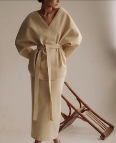 new style clothes Modest Fashion, Love Fashion, Winter Fashion, Fashion Outfits, Womens Fashion, Fashion Design, Fashion Trends, Beige Outfit, How To Pose